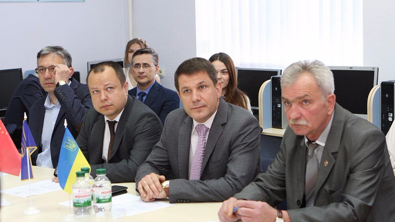 ХНУРЕ відвідала делегація технологічної корпорації з КНР