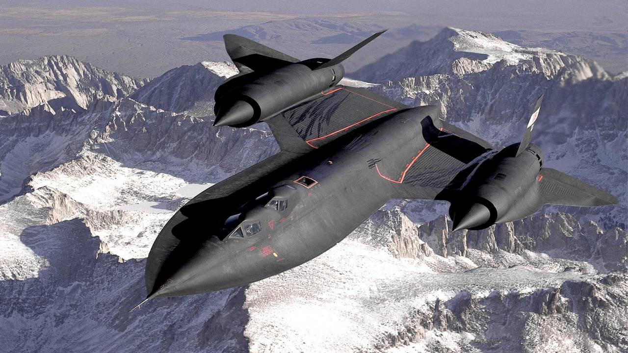 Разведывательный беспилотник-легенда SR-71 Blackbird уступает место новой