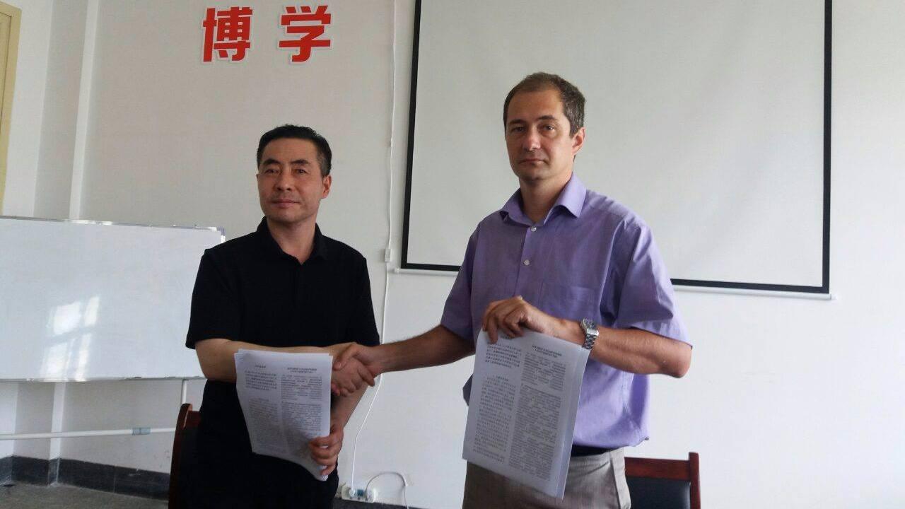 Заняття біомедичною інженерією в університеті Циндао